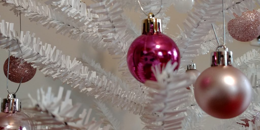 gift guide ornaments
